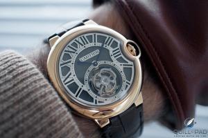 Replicas Relojes Cartier Ballon Bleu Tourbillon en la muñeca-1