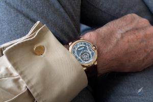 Replicas Relojes Cartier Ballon Bleu Tourbillon en la muñeca-2