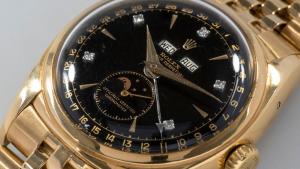 Rolex Ref. 6062 Con visualización de fecha triple, Bao Dai vendió más de 5 millones de francos suizos en Phillips en mayo de 2017.